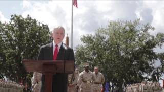 Secretary Mabus presents Presidential Unit Citation to 2nd MEB