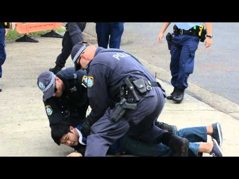 Police Attacked Protesters In Front Of Villawood Detention Centre