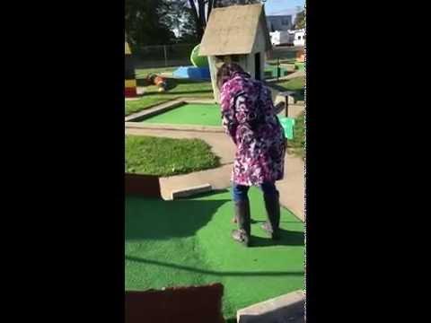 Goony Golf vs. Pink Putter