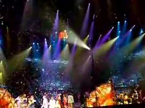 love - the beatles cirque du soleil - hey jude