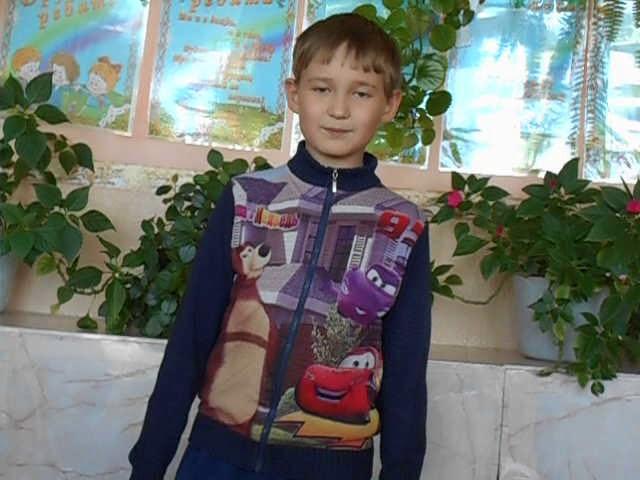 Изображение предпросмотра прочтения – АлексейЛапердин читает произведение «Книга в красном переплете» М.И.Цветаевой