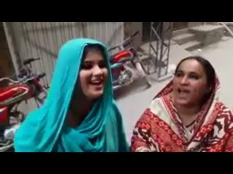 Justin Girls Deshi Girls Roadside Dwellers Singing | Justin Bieber - Baby bay English Song