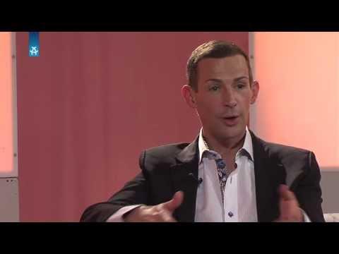 Chansonnier & Schauspieler Tim Fischer INTERVIEW