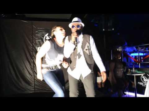 A-FLO _ prestation Riddim Club in Istanbul  ( Live Performance )