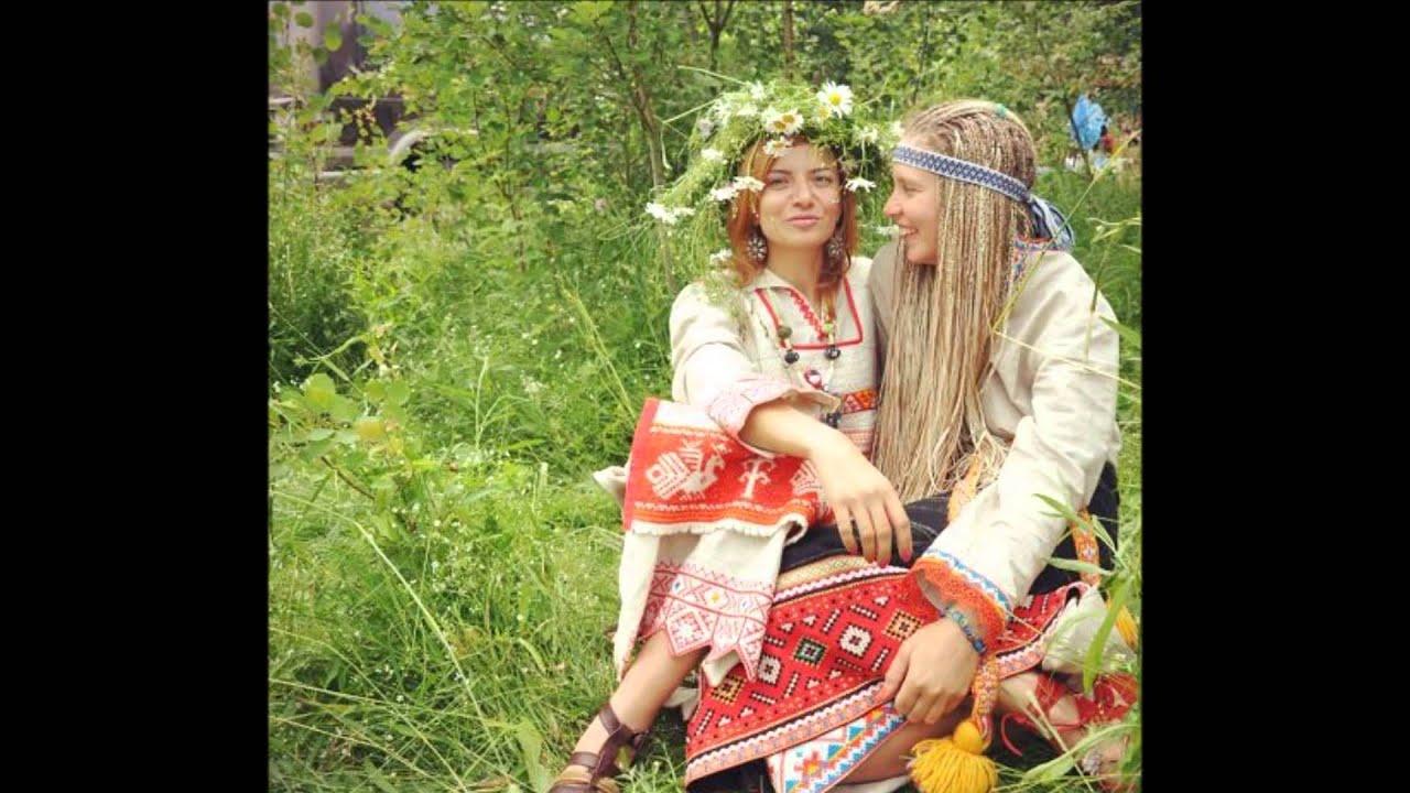 Платья марыся. Штапель и шерсть. Одежда российского производства в традиционном стиле из штапеля, льна, шерсти. Доставка почтой рф. Прямо сейча в магазине русские платки в екатеринбурге в буме есть в наличии 7 цветов платьев