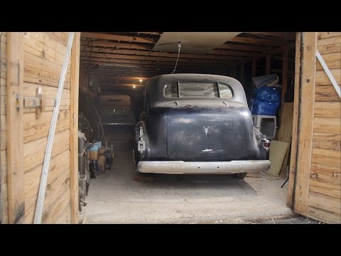 Texas Barn Find: Five Pre-war Automobiles Discovered