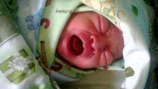 bayi nangis baru lahir