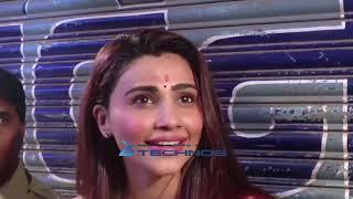 Daisy shah visit lalbaugcha raja with family For Darshan Mumbai