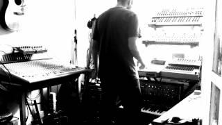 Analogue electronica studio jam - rozz3r Live: Nostalgia For Infinity