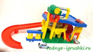 видео Паркинг игрушечный, игрушечные автотреки, гаражи для машинок купитиь в интернет-магазине