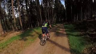 Mountainbiken mit der RYLO 360 im Adventure Case in Deutschland.