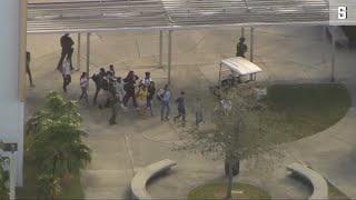 Florida: Ex-Schüler erschießt 17 Menschen an Highschool
