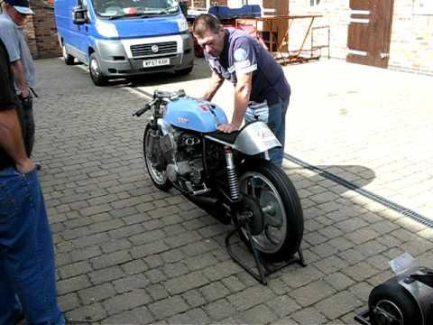 Home Made 6 Cylinder Motorbike Using A Suzuki 250 Engine