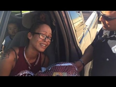 Mom Struggling To Afford Groceries Cries When Cop Gives Turkey Instead of Ticket