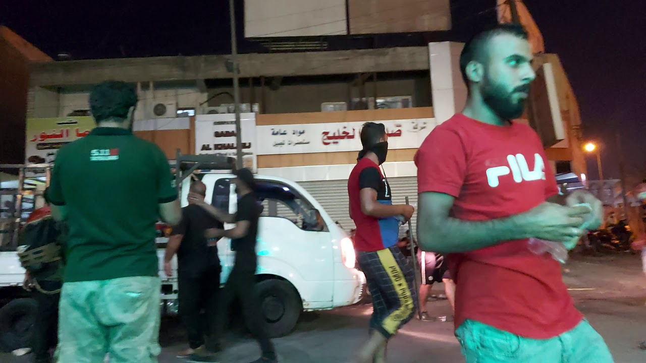 المواكب توزع على المتظاهرين// مدخل السعدون مظاهرات ساحة التحرير بغداد
