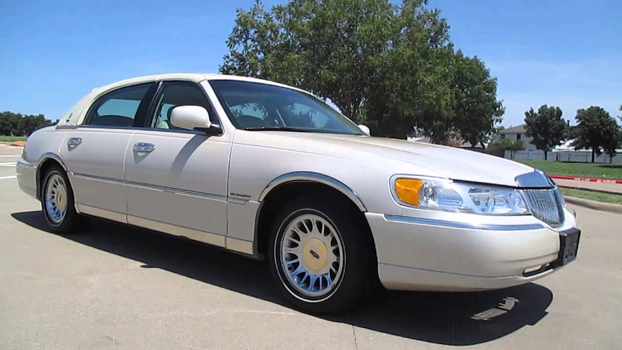 2000 Lincoln Towncar Cartier 41k Miles White Carriage Top 1