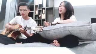 Em trai Duy Khánh đệm đàn cho Hòa Minzy cover Có Em Chờ