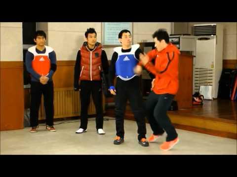 Корейский мастер 15 боевых исскуств ^_^