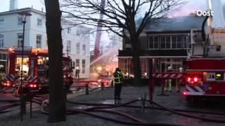 Korpsen uit Ommen, Deventer en Zwolle helpen bij grote brand in Twello