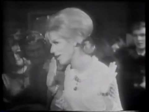 Dusty Springfield & The Bee Gees I've Gotta Get A Message To You Live 1969.