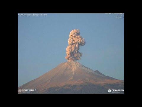 شاهد: ثوران بركان في المكسيك.. حمم ودخان يصل ارتفاعه إلى 2.5 كلم في السماء…  - نشر قبل 3 ساعة