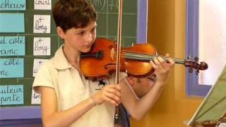 """Audition de violon à Battice le 12 juin 2010. Lola joue """"Rêve d'un ..."""