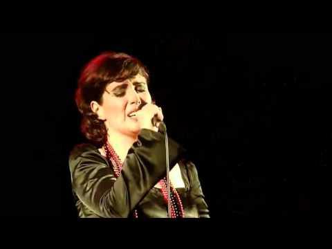 Joana Amendoeira - Estranha forma de vida (Amalia Rodrigues - Alfredo Marceneiro) Fado Bailado