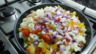 Кабачки тушёные с овощами / вкусно и быстро