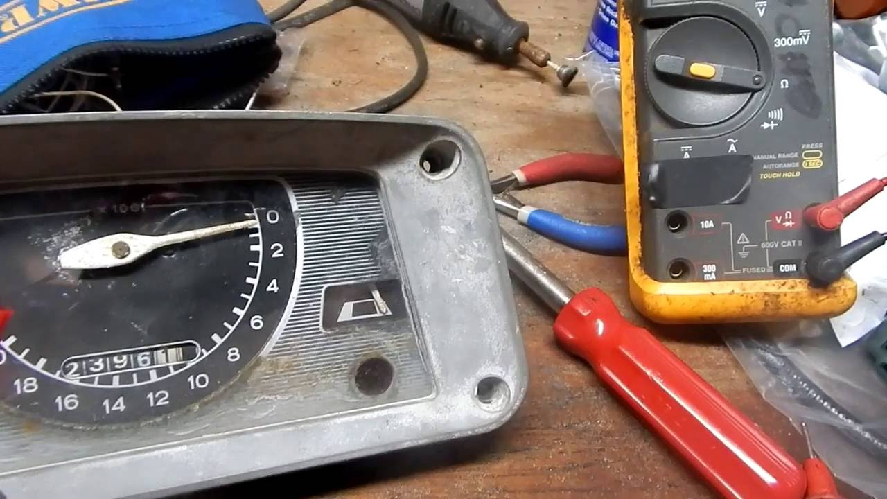 small resolution of troubleshoot temp indicator on a ford 2000 tractor youtube rh youtube com ford 2000 tractor coil wiring ford 2000 tractor coil wiring