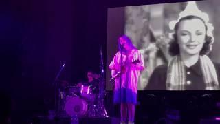 Download Billie Eilish - Hotline Bling / party favor (Live 2018)