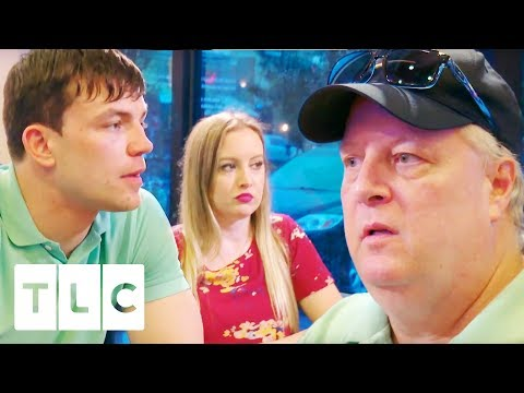 Andrei Meets Elizabeth's Family For The First Time! | 90 Day Fiancé