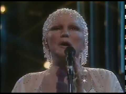 Peggy Lee and Roberta Flack - Live at City Hall Sheffield (1984)