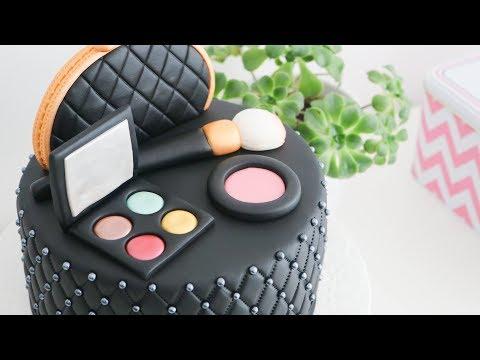 Torta decorada con Maquillaje 💋Tan Dulce