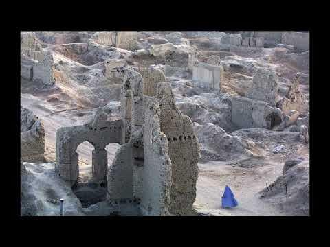 La photo de la semaine: 2001, une femme passe dans Kaboul en ruines.