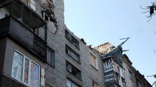 В этот дом около 40  раз попадали снаряды и мины / In this house 40 times were shells and mines