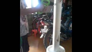Cara melubangi pralon untuk vertikultur hidroponik