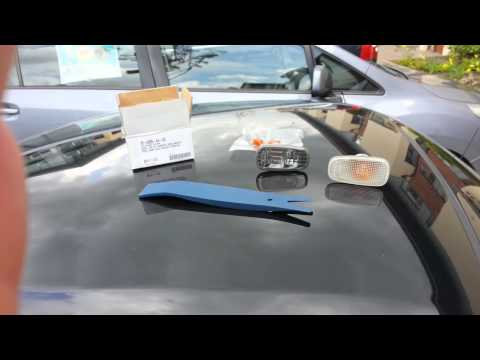 Installing smoked sidelights in a Daihatsu Copen
