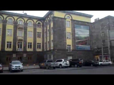 Путешествие от Райсовета общины Эребуни до кинотеатра