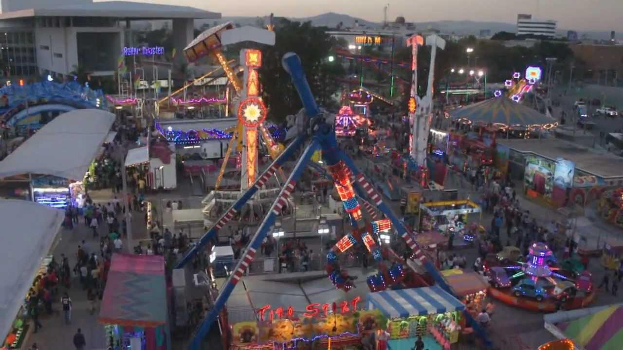 Feria De Leon 2013 Juegos Mecanicos Youtube