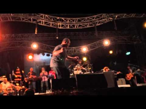De La Soul - Ring Ring Ring [Live @ La Défense Jazz Festival, Paris 2012-07-01]