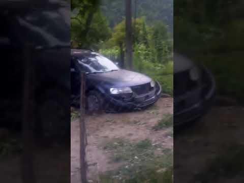 ДТП на Рахівщині. Автівка знесла хрест