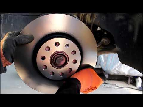 Замена передних тормозных дисков и колодок на Volkswagen Passat B6 Фольксваген Пассат Б6 2,0 2007 го