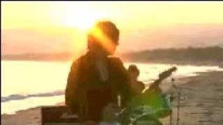 大阪出身4人組。この曲は廃盤らしいのですが、YouTubeで 復活してくれ...
