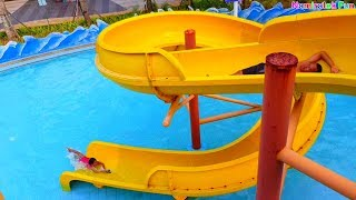 Download Video Bermain Air & Perosotan Mainan Anak Berenang di Water slide Kolam Renang Fun Kids Water Park MP3 3GP MP4