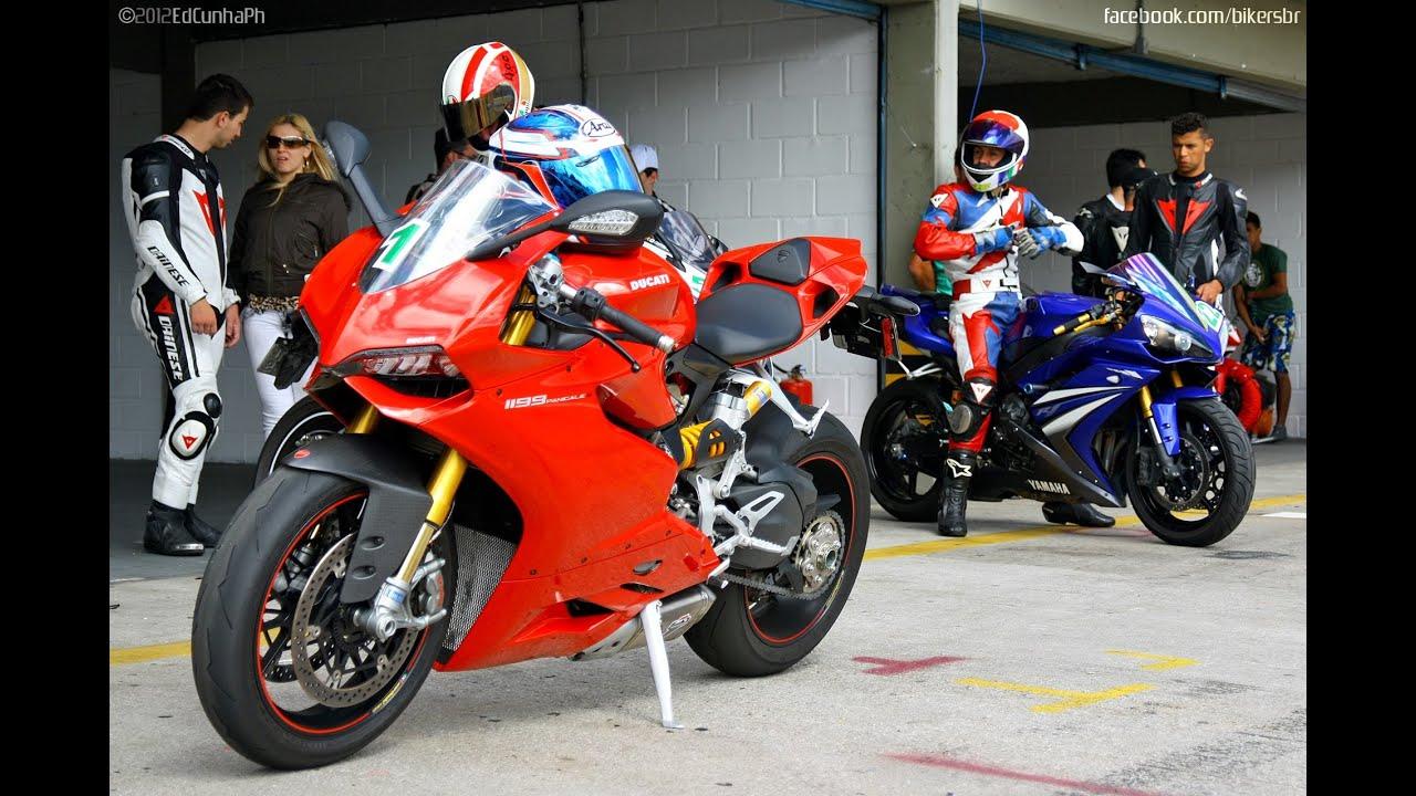 Yamaha R Vs Ducati