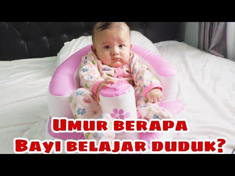 Begini moms cara melatih bayi agar bisa cepat duduk. Ada stimulasi motorik dan olah raga untuk mempe.