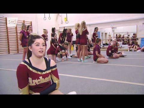 CLWB NI: Cheerleaders Met Caerdydd