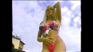 Repeat youtube video Bikini Girl Tammy Rief  wet t shirt contest