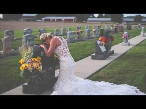 Gəlinlik geyinib, nişanlısının məzarı üstündə ağladı