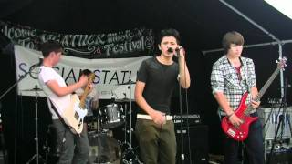 Barbara Streisand cover by Social Status at Heather Music Festival